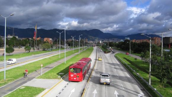 1441976273_av_26_-_bus_transmilenio_bogota