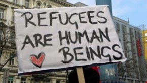 1446539999_2013-02-16_-_wien_-_demo_gleiche_rechte_fur_alle_refugee-solidaritatsdemo_-_refugees_are_human_beings