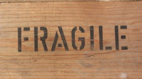 1470206867_fragile-354606_960_720